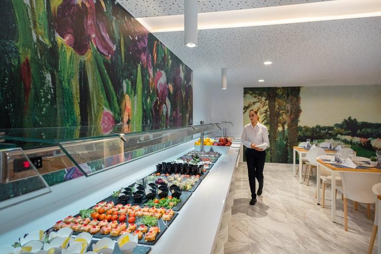 Buffet restaurant villa luz family gourmet & all exclusive hotel gandia beach